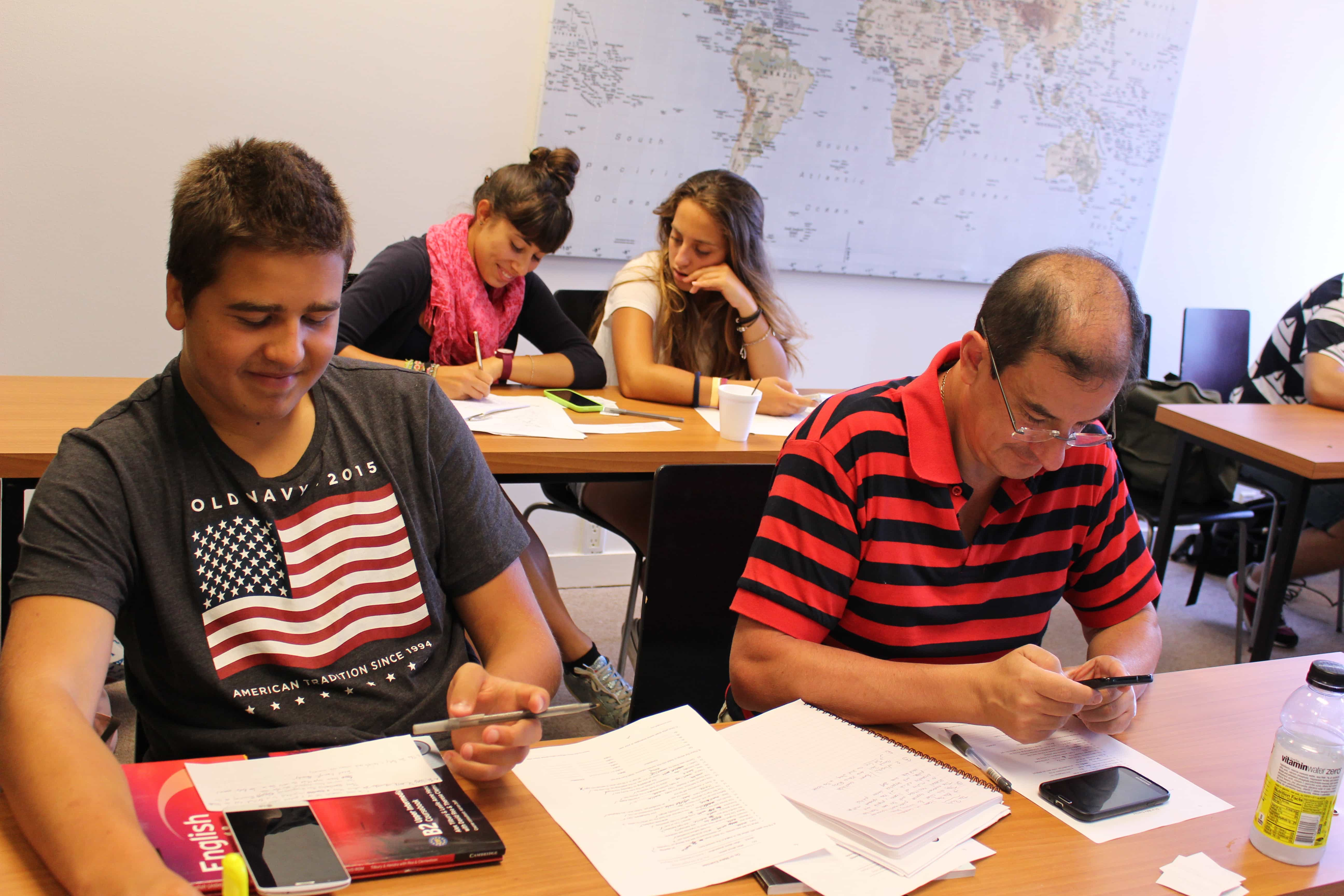 Learn common English expressions in an English school in Miami